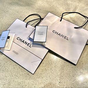 CHANEL gift bag / bundle of 2